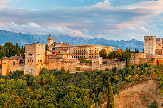 Granada_The_fortress_and_palace_complex_Alhambra._large.jpg