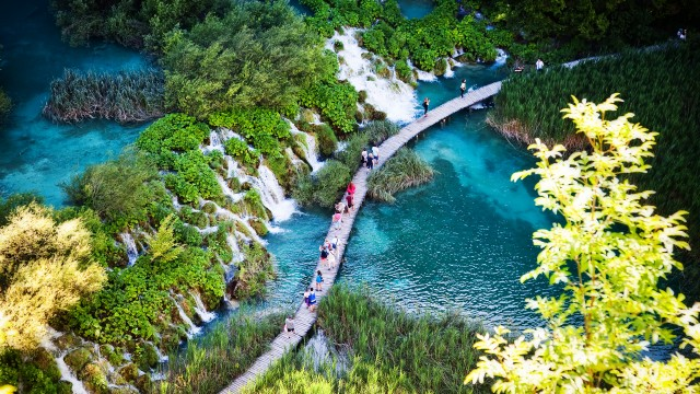 Plitvice Lakes & Coastal Express