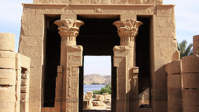 Lake Nasser Cruises visiting Abu Simbel